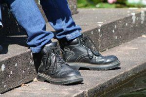 czarne obuwie robocze