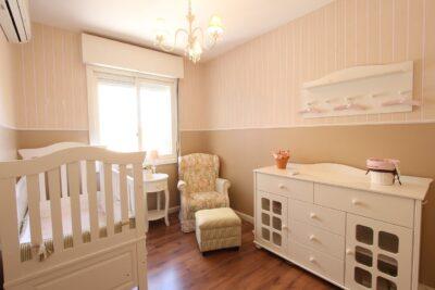 Pokój dla noworodka - jak urządzić Co jest potrzebne a co ułatwi opiekę nad dzieckiem